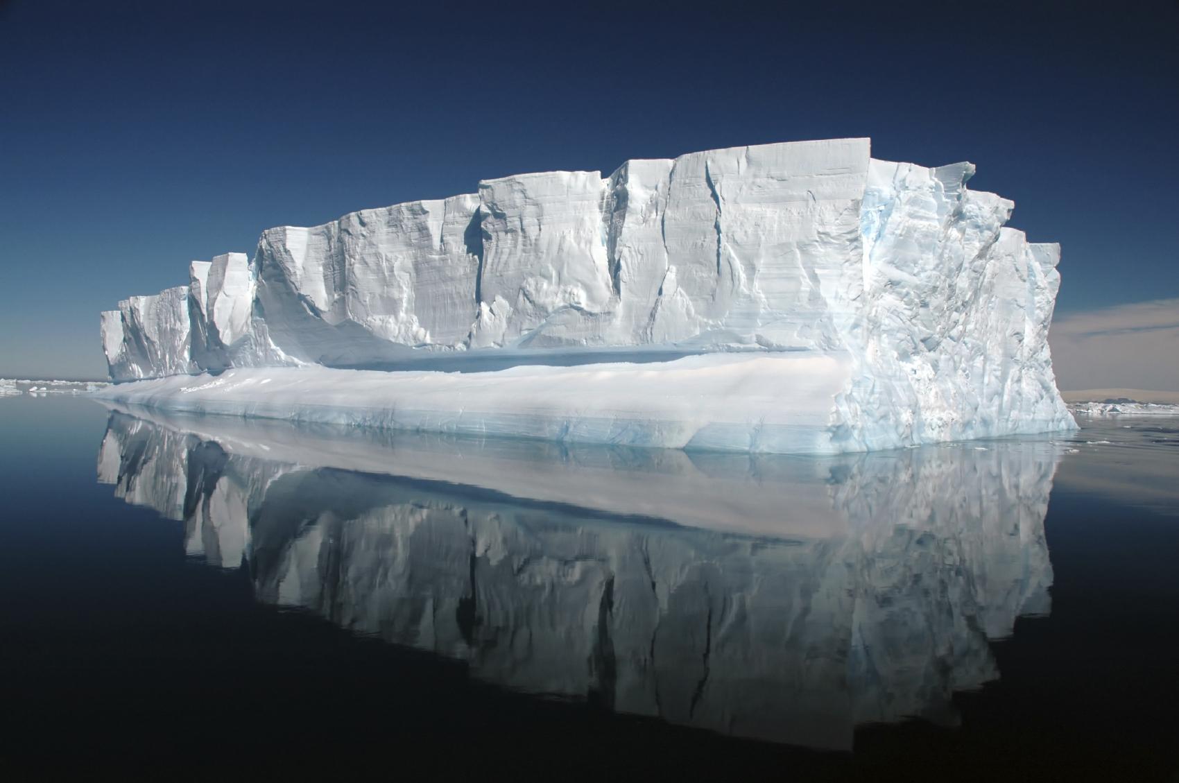 is_vg2016_iceberg_istock_000004750485medium.jpg