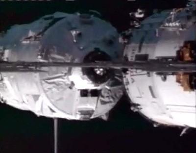 Amarrage de l'ATV. Crédits : NASA.